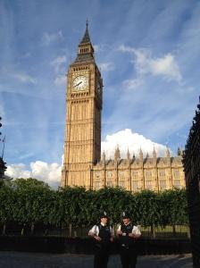 0107 Big Ben, Parlament, 2 police